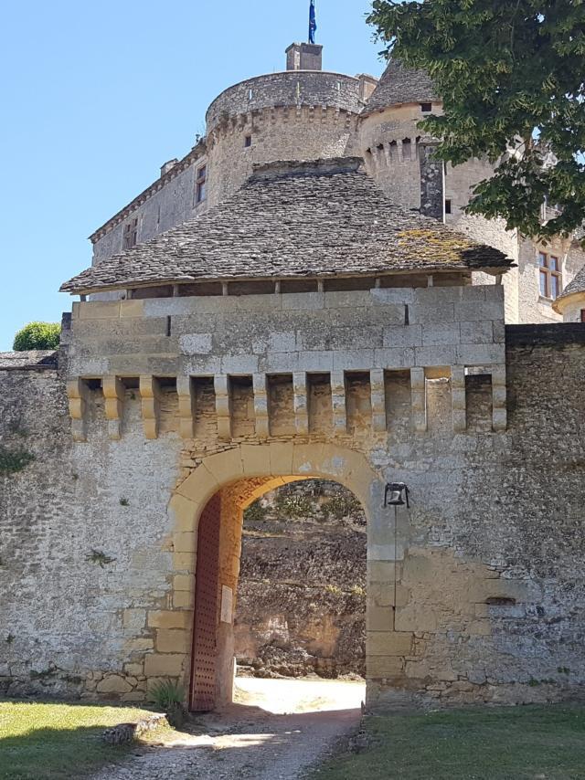 1er châtelet du XVIème, entrée du Château de Fénelon