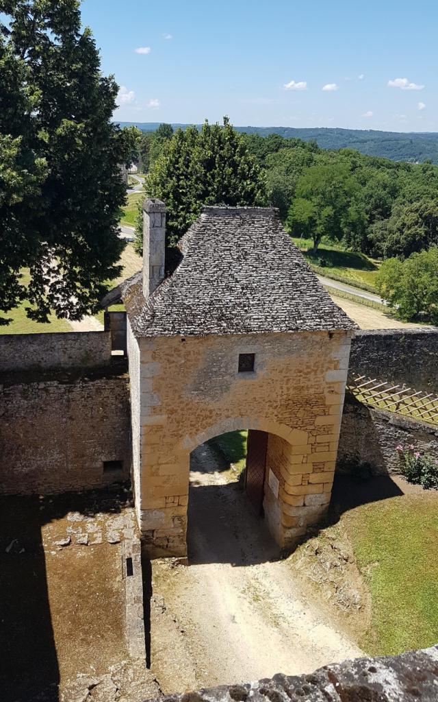 1ère enceinte du château de Fénelon
