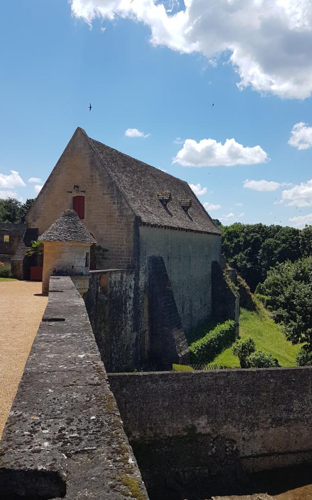 La caserne médiévale