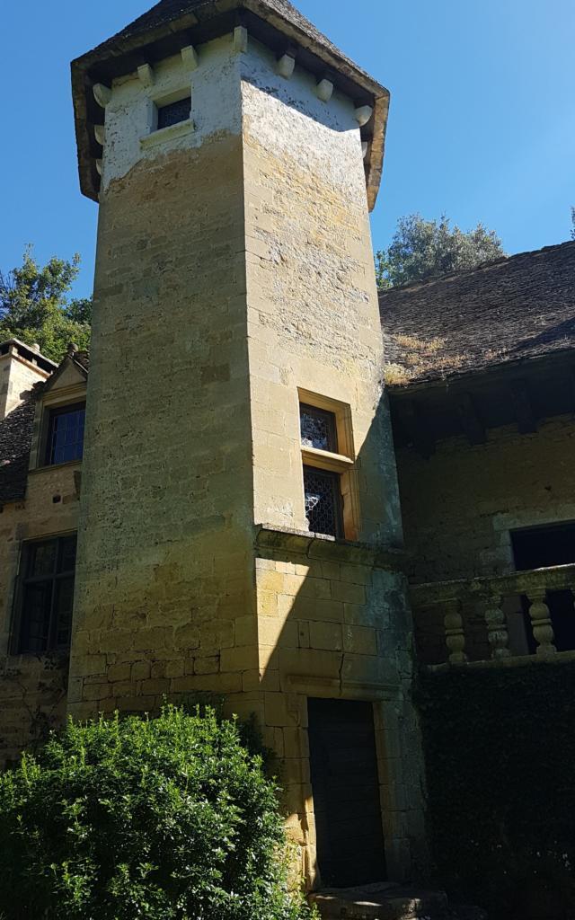 Tour Heaxagonale Chateau Lacypierre