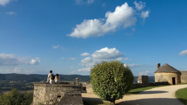 Vues panoramique des remparts du château de Fénelon