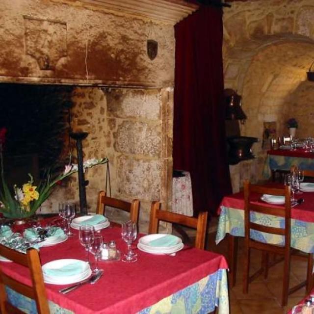 Salle de restaurant à l'Auberge Des Marthres