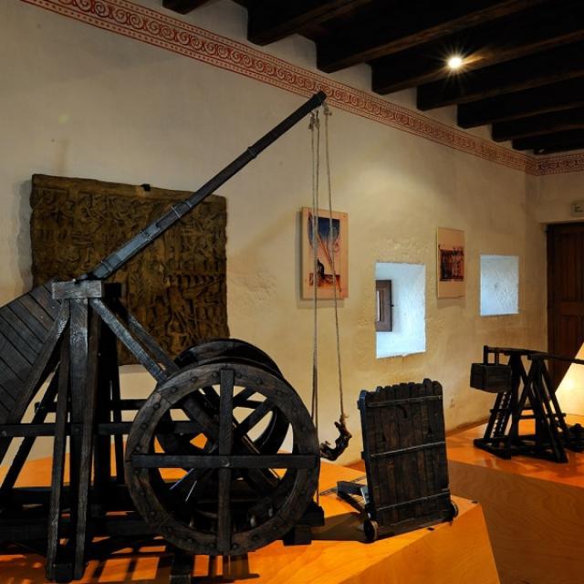 Chateau Castelnaud War Machine