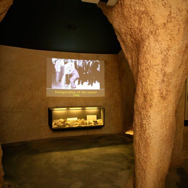 Gouffre De Proumeyssac Son Museographique
