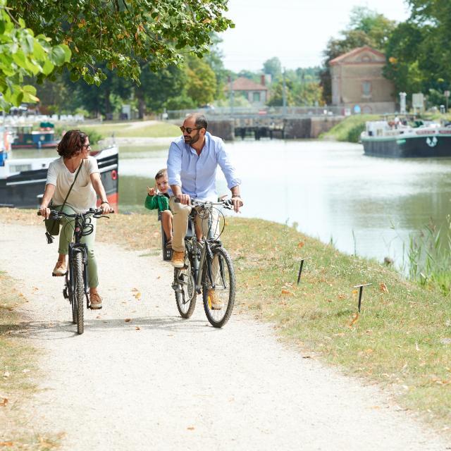 Port canal à vélo