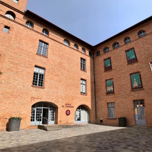 Cour Ancien Collège ©montaubantourisme