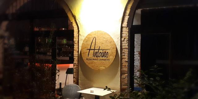 Enseigne Restaurant Antoine 00
