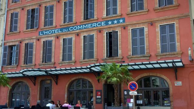 Hôtel Du Commerce Facde