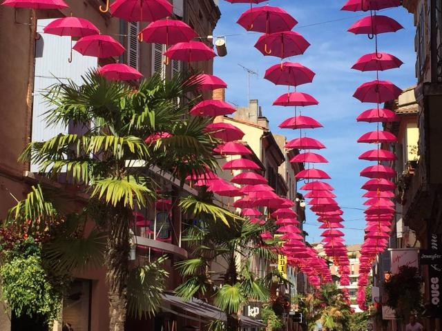 Parapluies Octobre rose Montauban