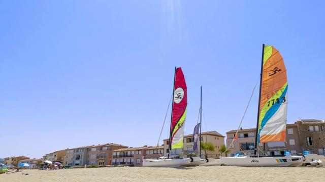 Plage Port Grimaud Cote D Azur