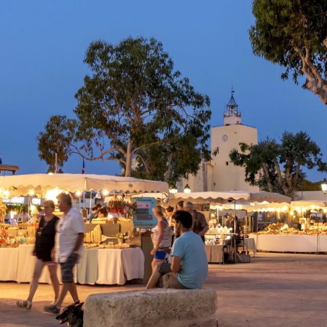 Marche Nocturne Port Grimaud Cote D Azur (3)