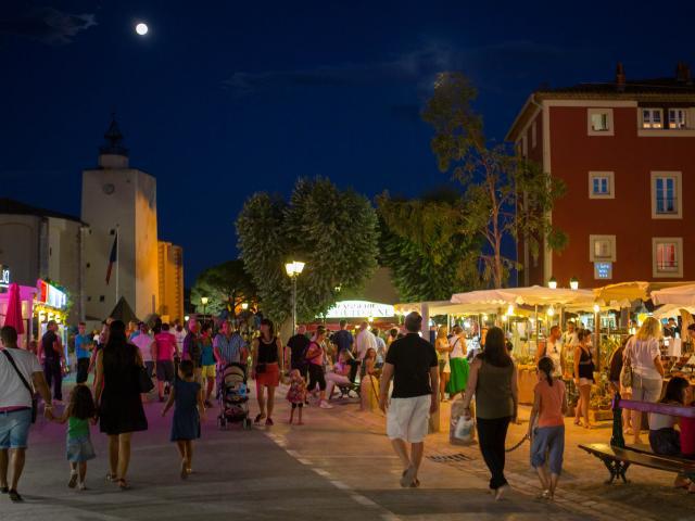 Marche nocturne Port Grimaud Cote d'Azur (7)