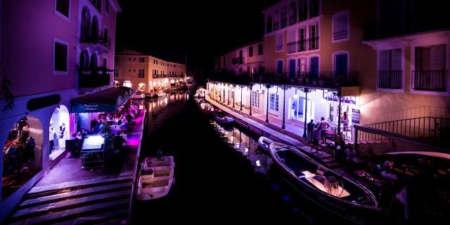 Port Grimaud Nuit Cite Lacustre Cote D Azur
