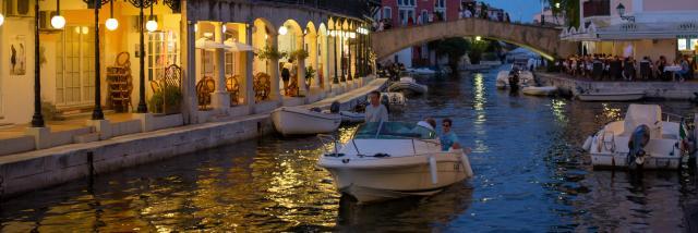 Port Grimaud Nuit Cite Lacustre Cote D Azur (5)
