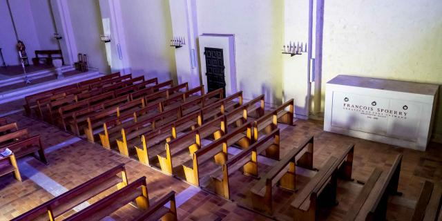 Sepulture Francois Spoerry Eglise Port Grimaud (13)