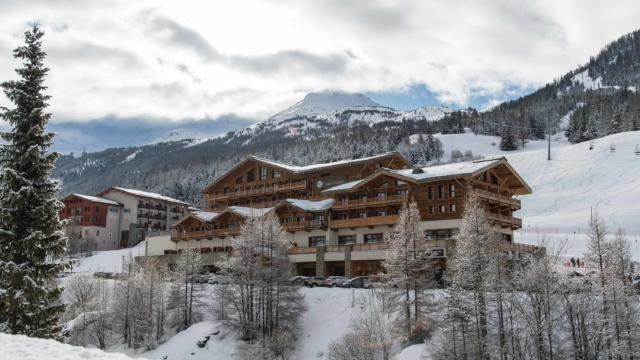 Val Cenis Hiver Hotel St Charles A Pernet