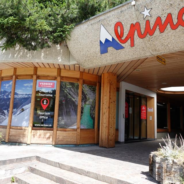 Extérieur de l'office du tourisme de Verbier