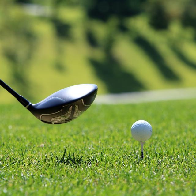 parcours-et-cours-de-golf-la-tzoumaz-ete.jpg