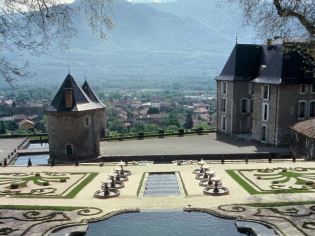 jardins-du-chteau-du-touvet-3-scaled.jpg