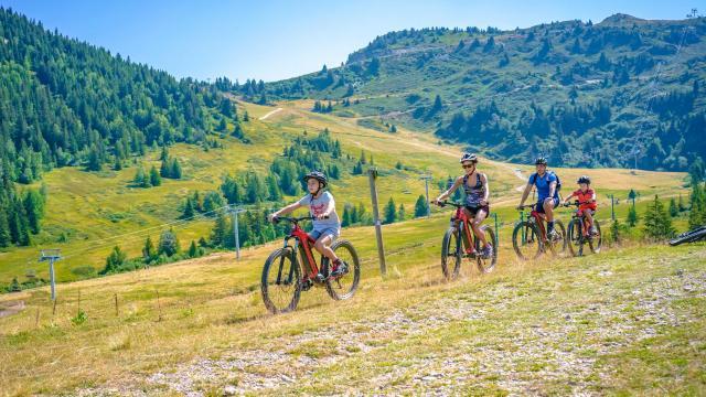Balade en famille en Vélo électrique au Collet