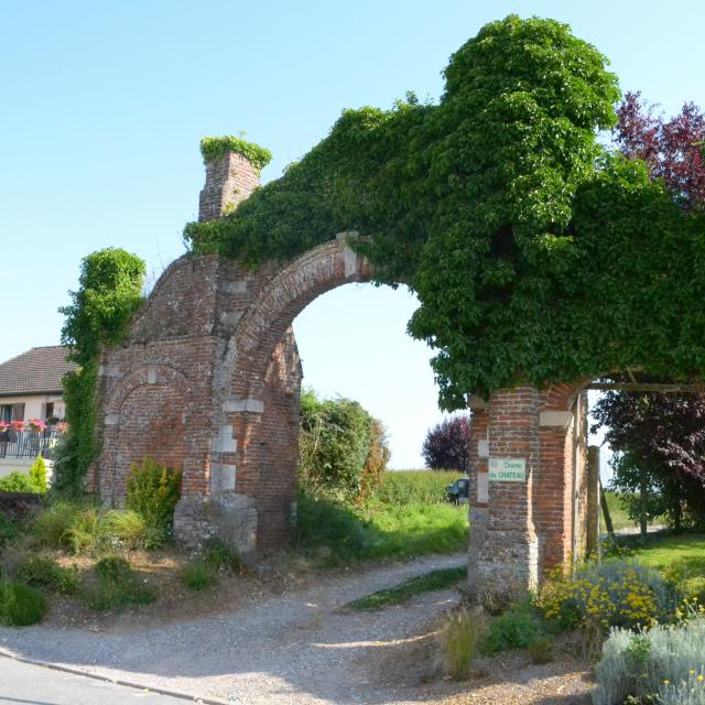 Destination Le Treport Mers Melleville Porte Ancien Manoir