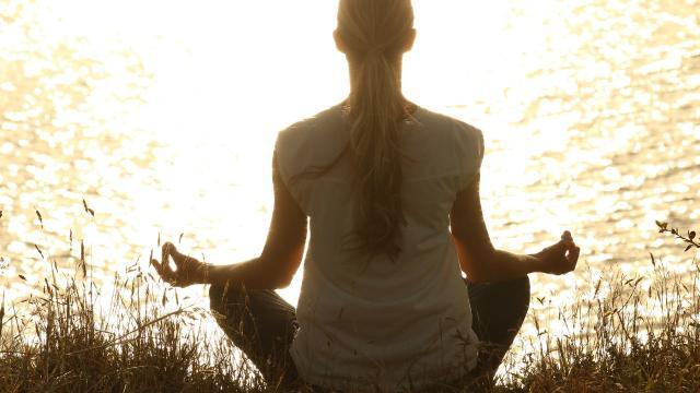 meditate-1851165-1920.jpg