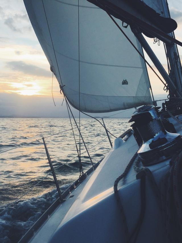 sailboat-1149519-1920.jpg