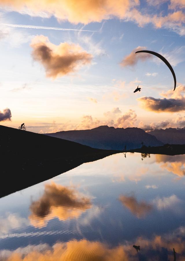 098-les-2-alpes-marche-randonnee-trail-multiactivite-parapente-paysage-printemps-ete-sunrise-sunset.jpg