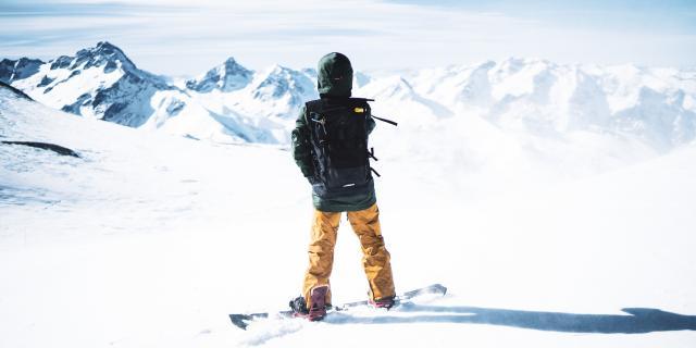Snowboarder prêt à descendre, Dévaler les pistes de ski des Deux-Alpes