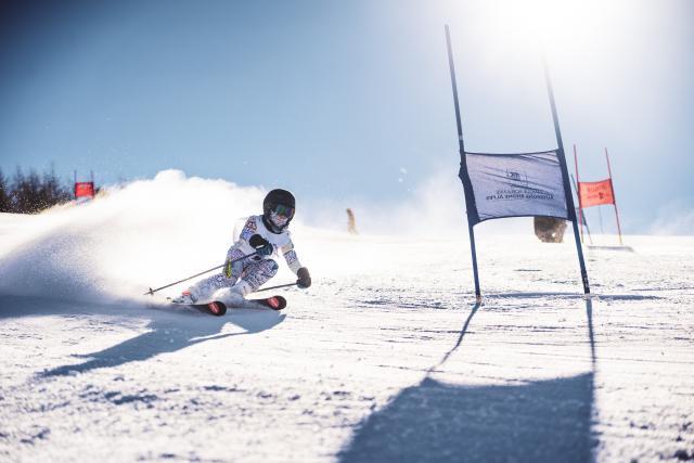 Tout schuss Cup course de ski organisé par Les Deux Alpes pour les plus jeunes skieurs compétition