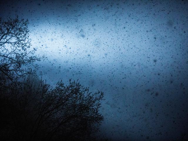 Neige à gros flocons pendant la nuit aux Deux-Alpes
