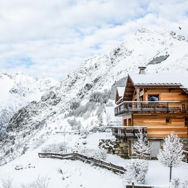 Chalet sous la neige lors des vacances aux 2 Alpes