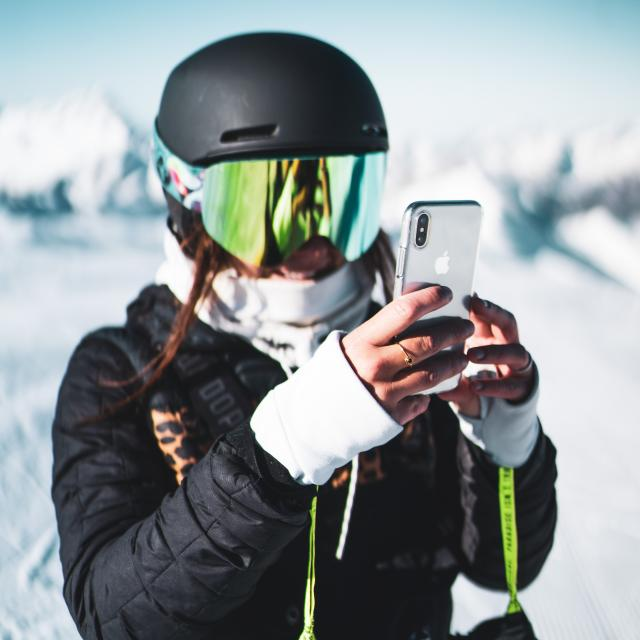 251-les-2-alpes-automne-hiver-femme-glacier-humain-ski-1.jpg