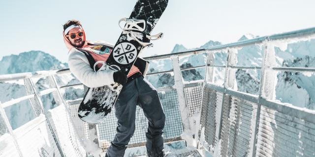 Snowboard et rock 'n' roll sur le belvédère des écrins aux deux Alpes