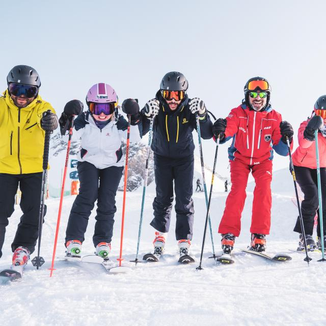 Départ en groupe pour cette leçon de ski avec moniteur aux 2 Alpes