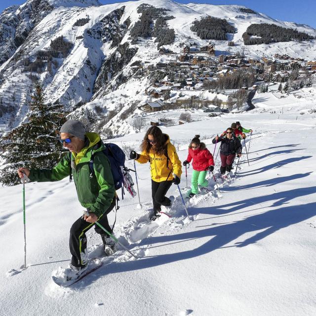 Promenade en raquettes en groupe aux 2 Alpes