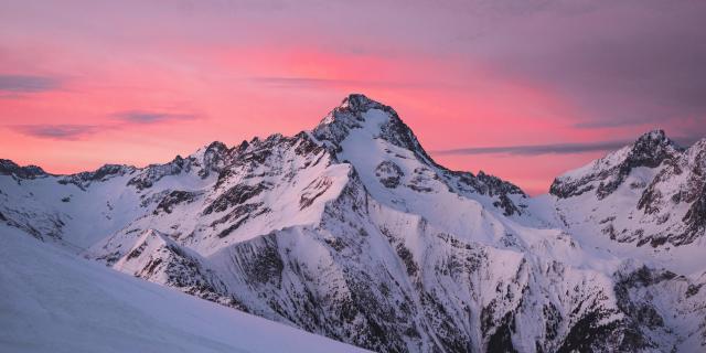 Lever de soleil rose sur la muselle depuis Les Deux Alpes