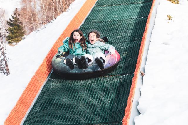 enfants luge airbag saut jump les 2 alpes