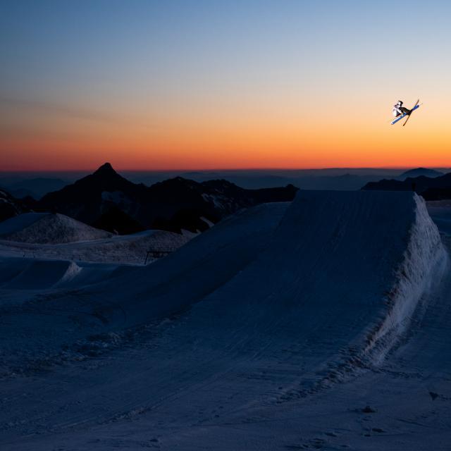 freestyle-les2alpes-glacier-nuit.jpg