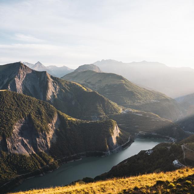 paysage-plateau-demparis-les2alpes-ete.jpg