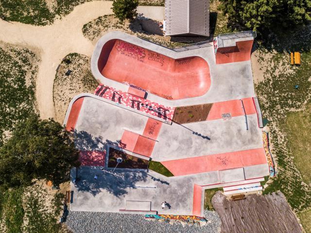 skatepark-vue-aerienne-les2alpes-ete.jpg