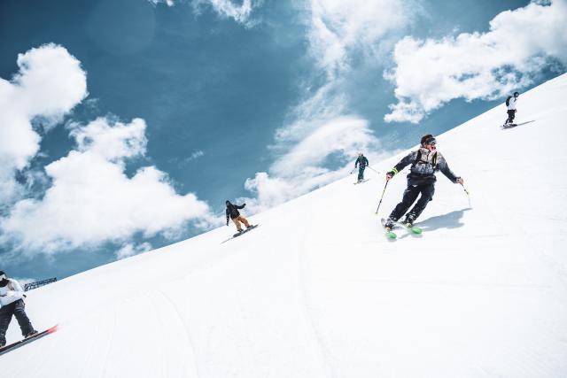 ski été glacier groupe les2alpes