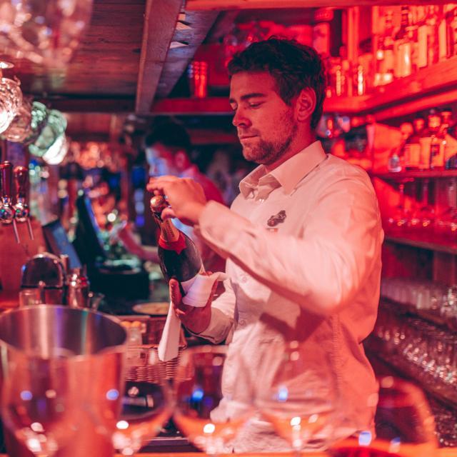 barman soirée champagne