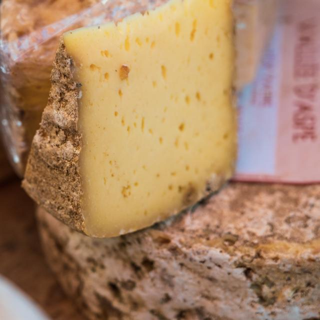 fromages-marche.jpg