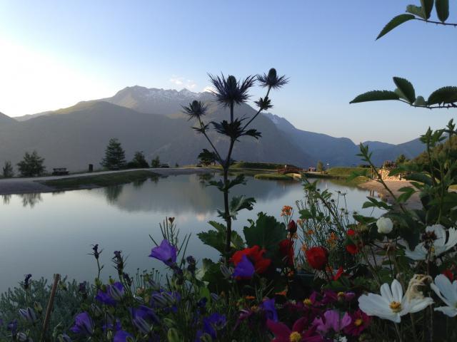 Lac De La Buissonniere Les 2 Alpes