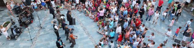Les Grimaldines Dans Les Rues Festival Golfe De Saint Tropez (36)