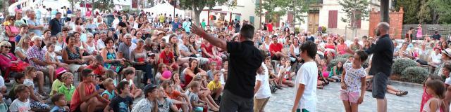 Les Grimaldines Dans Les Rues Festival Golfe De Saint Tropez (39)