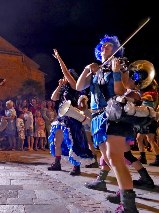 Les Grimaldines Dans Les Rues Festival Golfe De Saint Tropez (53)