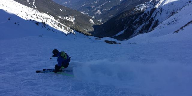 Descente d'Antoine ambassadeur de la station des 7 Laux en ski