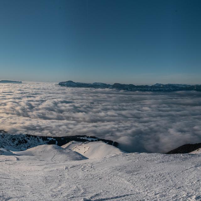 Panorama de la station des 7 Laux en hiver